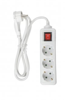 3-way power strip with flat plug